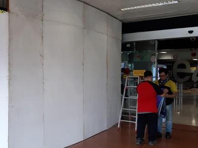 Ini Klarifikasi Kemenpar Soal Banner Raja Ampat Salah Foto di Bandara Soetta