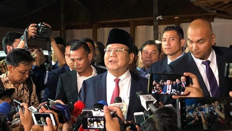 Prabowo Bawa Buku Why Nations Fail ke Panggung Debat Capres Kedua