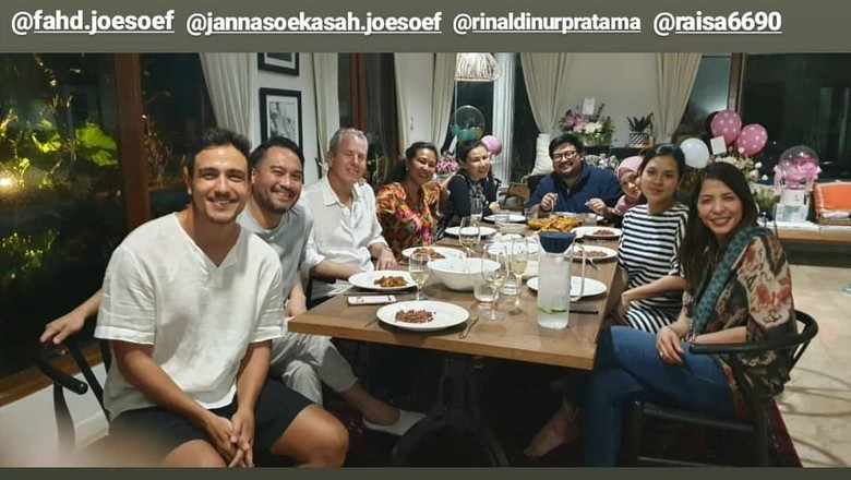 Family Dinner ala Hamish Daud dan Raisa