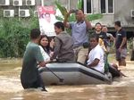 Penampakan Dramatisnya Pernikahan Kebanjiran di Jambi