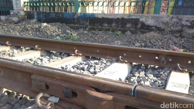 KAI: Rel Patah di Lintasan Pesing-Taman Kota karena Pemuaian
