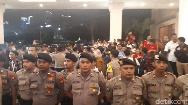 Live Report Debat Pilpres 2019: Jokowi Menuju Lokasi Debat
