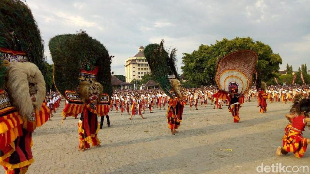 Kerennya Para Penari Jathil Ponorogo yang Pecahkan Rekor Muri