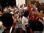 Heboh! Suporter Jokowi dan Prabowo Adu Yel-yel