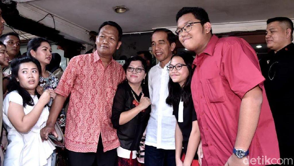 Usai Joging, Jokowi Bawa Istri, Anak, dan Cucu Makan Siang Bersama