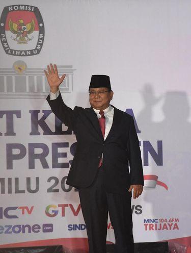 Gaya Prabowo di debat kedua capres 2019.