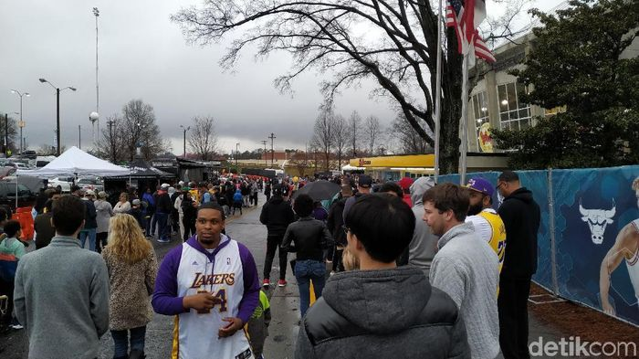 Cuaca mendung menyelimuti Bojangles Coliseum jelang latihan NBA All Star. (Foto: Okdwitya Karina Sari/detikSport)