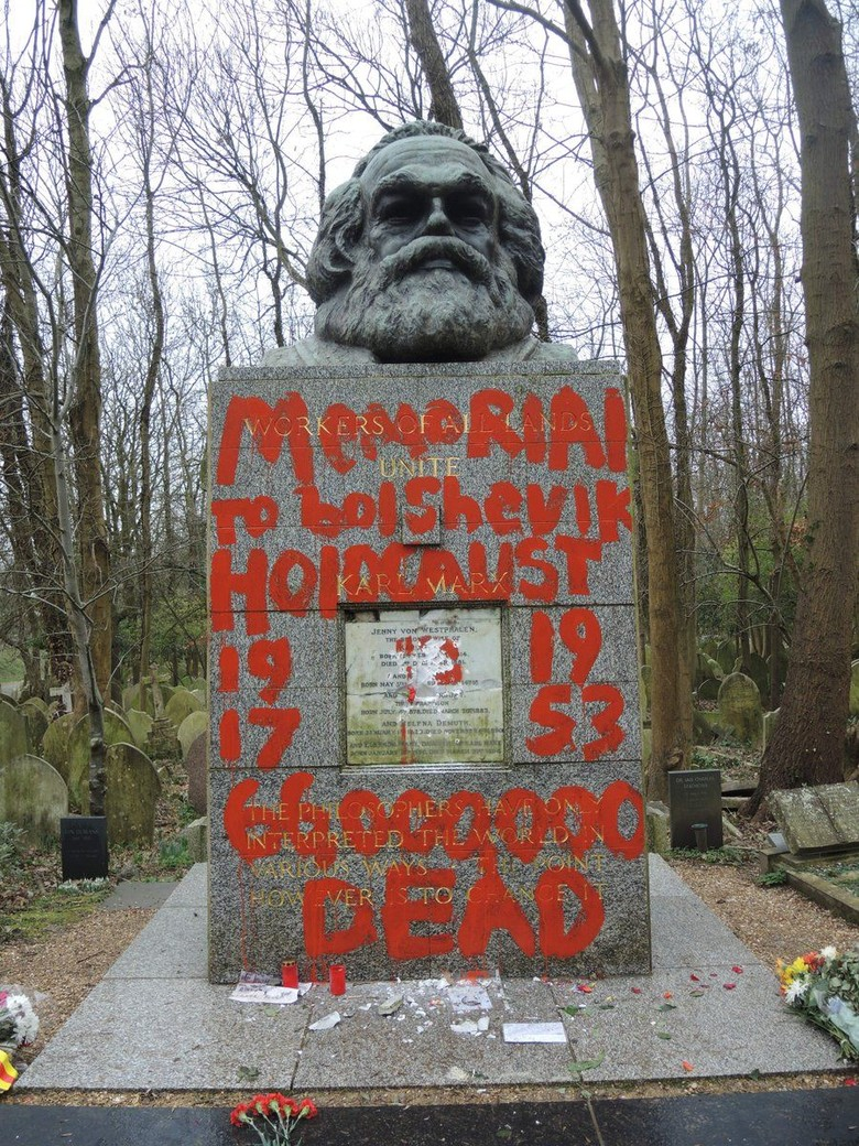Makam Karl Marx di London Dirusak, Ditulisi Architect of Terror