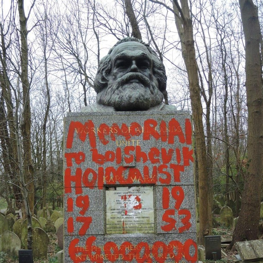 Makam Karl Marx di London Dirusak, Ditulisi Architect of Genocide
