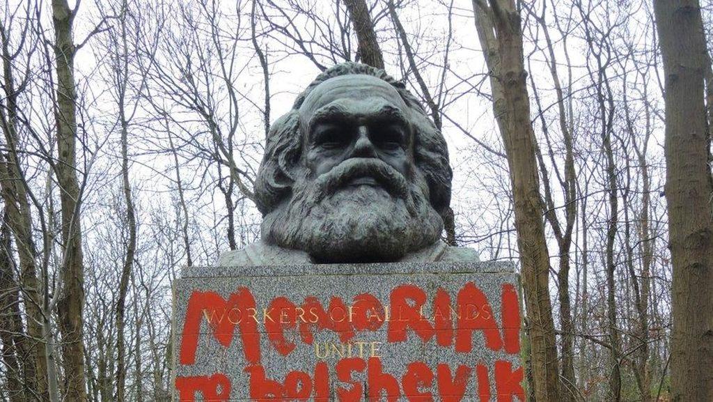 Makam Karl Marx di London Dirusak, Ditulisi Architect of Terror