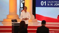 Jokowi Tak Merasa Menyerang, Puji Prabowo Tampil Bagus