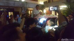 Usai Debat Capres Prabowo Sempatkan Selfie Dengan Relawan