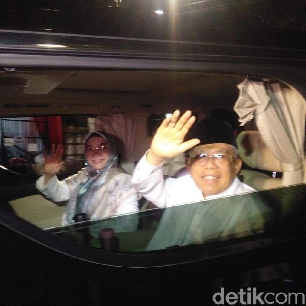 Maruf Amin Tiba di Lokasi Debat Bareng Istri