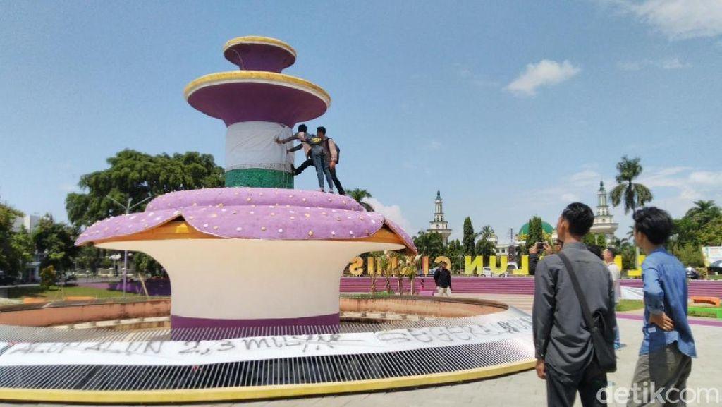 Pedemo Minta Tugu Raflesia di Taman Senilai Rp 2,3 M Diganti
