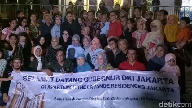 Gubernur DKI Jakarta Anies Baswedan kunjungi Apartemen Lavende, Jalan Supomo, Tebet, Jakarta Selatan.