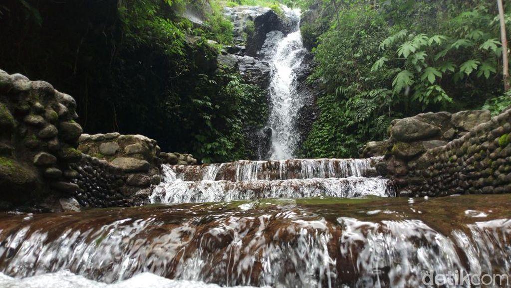 Foto: Air Terjun Cantik dekat Tol Trans Jawa Semarang