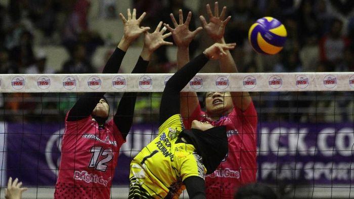 Tim putri Jakarta Pertamina Energi menyapu bersih kemenangan di final four Proliga 2019 (Foto: ANTARA FOTO/Ari Bowo Sucipto/aww.)