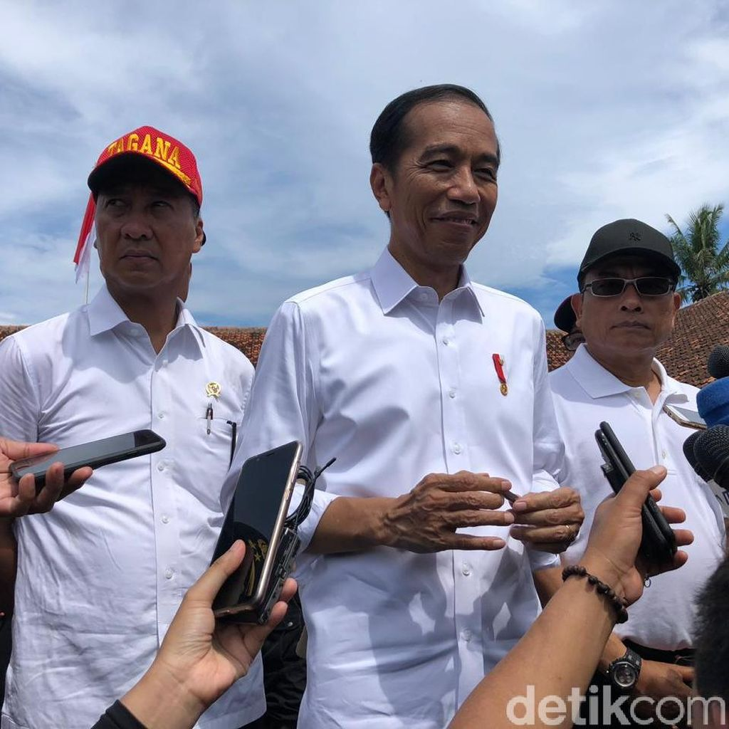 Jokowi Bantah Pakai Earpiece Saat Debat: Fitnah Nggak Bermutu