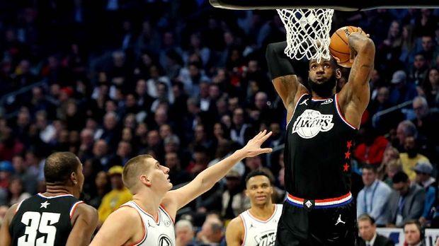 Pebasket NBA LeBron James digandeng ikut 'Space Jam 2'.