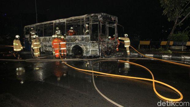 Dirut TransJ Datangi Lokasi Bus Terbakar: Perlu Investigasi Lebih Lanjut