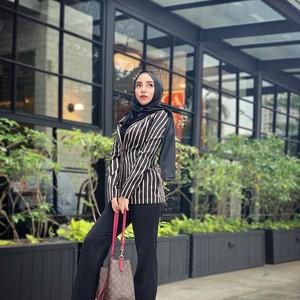Foto: Transformasi Gaya Salmafina yang Kini Tampil Tanpa Hijab
