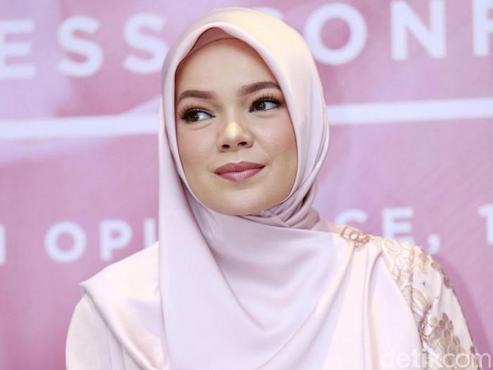 Dewi Sandra saat ditemui di kawasan Kebayoran Baru.
