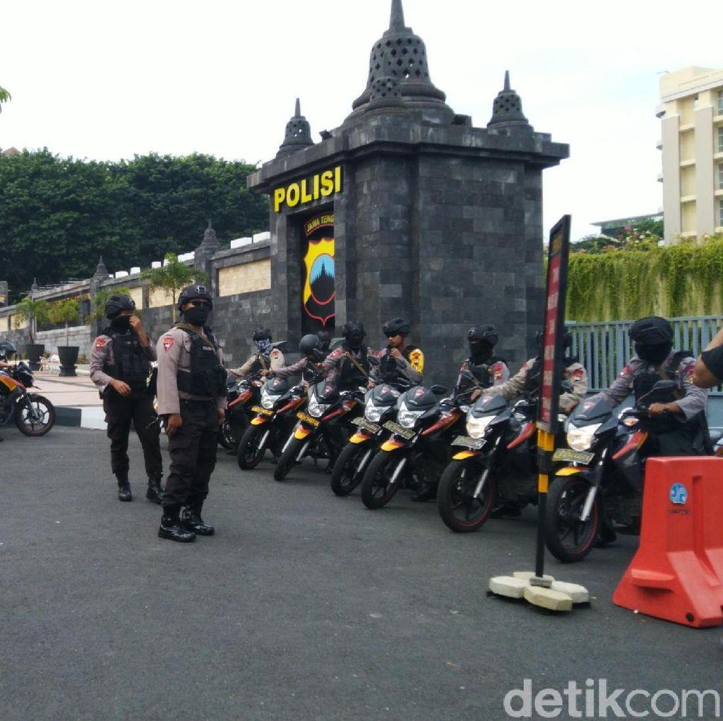 500 Polisi Bersiaga Amankan Pemeriksaan Ketum PA 212 di Polda Jateng