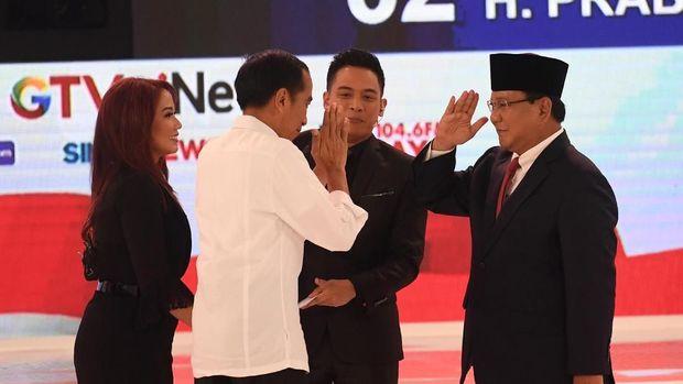 Jokowi dan Prabowo saat debat /