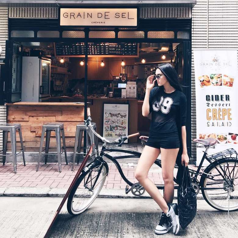 Nama Alexa Key santer diberitakan terkait kehamilan anak pertamanya. Banyak netizen yang menduga kalau penyanyi itu hamil di luar nikah. Foto: Instagram alexa_key