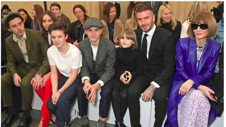 Dukungan Keluarga untuk Victoria Beckham di London Fashion Week