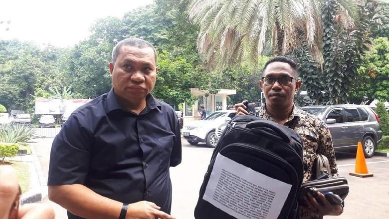 Pengacara: Ada Orang Gubernur Papua Bocorkan Rapat ke KPK