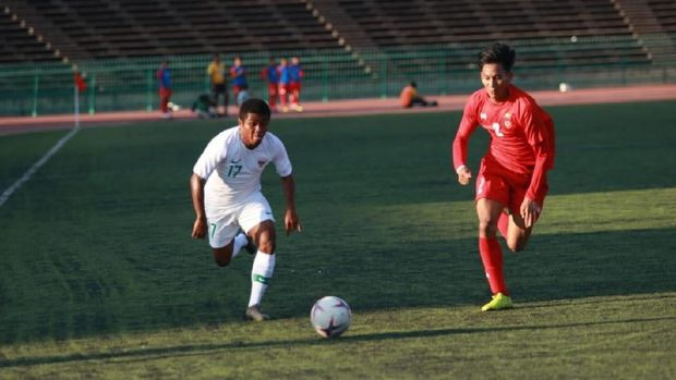 Timnas Indonesia U-22 saat melawan Myanmar. (