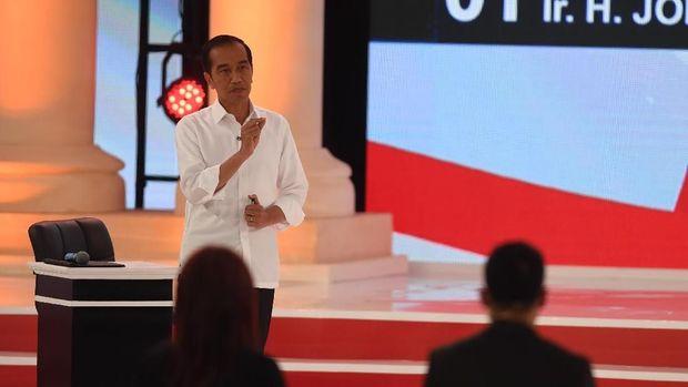 Jokowi saat debat /