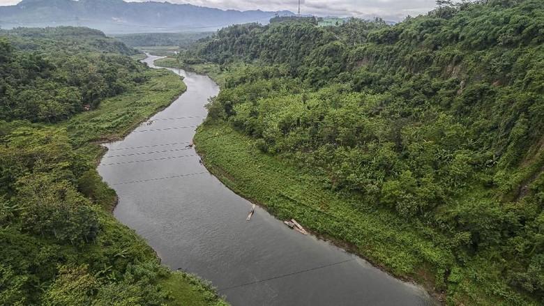 Sungai Citarum dari ketinggian (Antara Foto/Raisan Al Farisi)