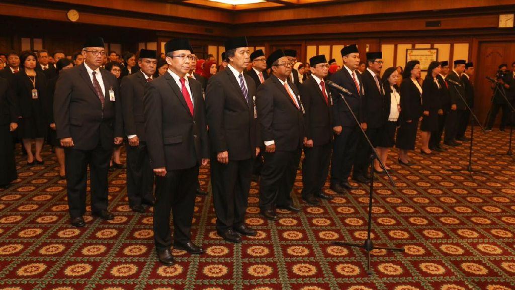 Gubernur BI Lantik 18 Pejabat Baru