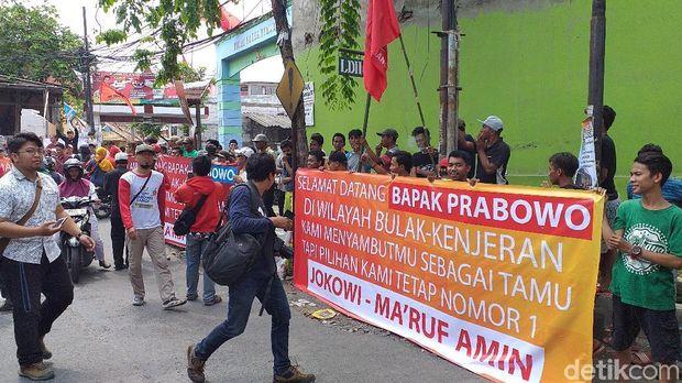 Kedatangan Prabowo ke Surabaya Disambut Massa Teriak 'Jokowi Wae'