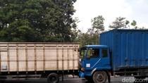 Ngeri! Tabrakan Beruntun di Tol Purbaleunyi, Sopir Sampai Kejepit