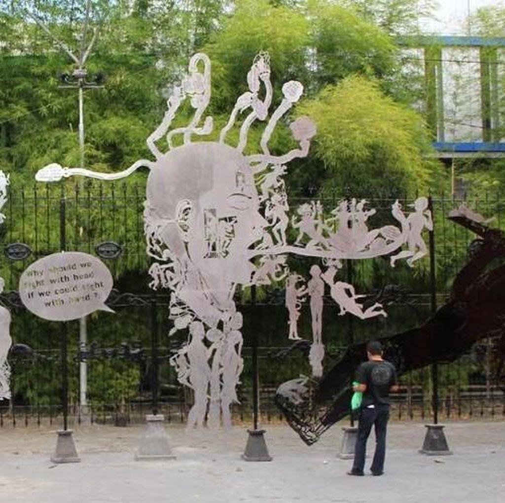 Entang Wiharso Pamer Karya di Pameran Seni Kontemporer Wuzhen