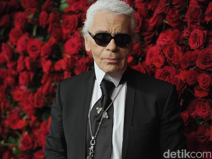Karl Lagerfeld dikabarkan meninggal karena kanker pankreas. Foto: Getty Images