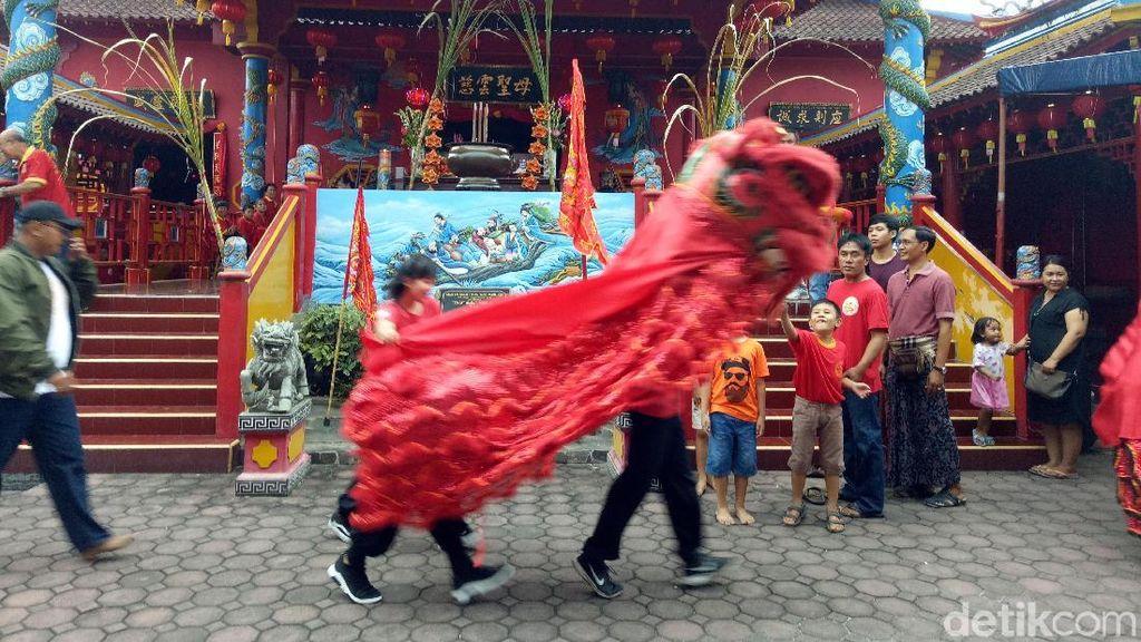 Barongsai dan Baleganjur Ramaikan Cap Go Meh di Bali