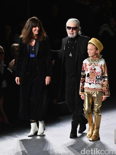 Desainer Chanel Karl Lagerferld Meninggal Dunia di Usia 85