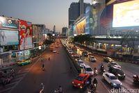 Rekomendasi Jalan-jalan Sore di Bangkok yang Asyik