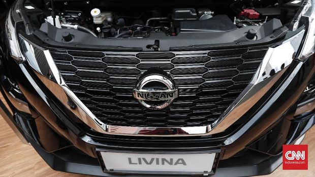 Nissan Livina baru menyuguhkan gril V Motion yang menjadi ciri khas mobil-mobil Nissan di dunia.