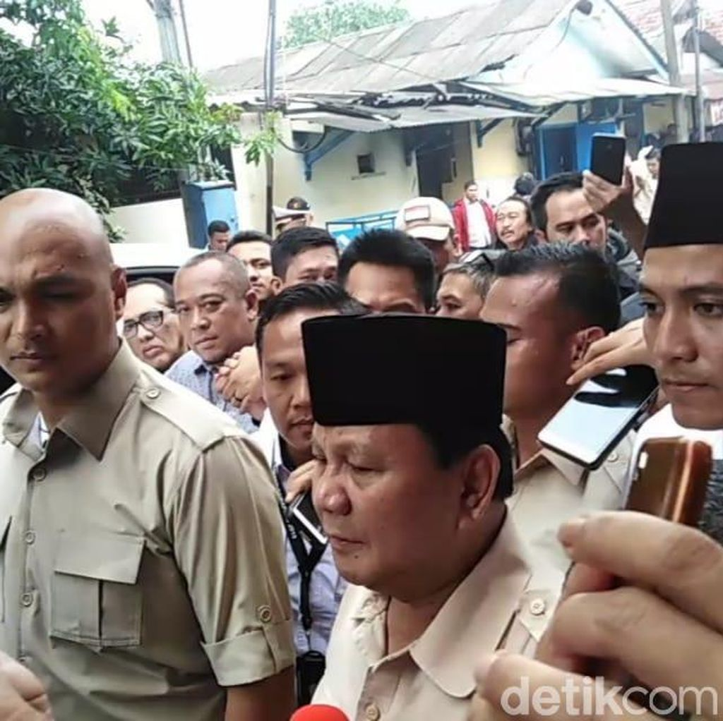 Prabowo Cueki Jokowi Wae