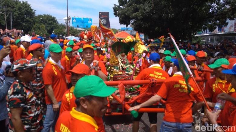 Kemeriahan perayaan Cap Go Meh di Cirebon (Soedirman/detikTravel)