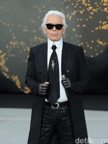 Karl Lagerfeld Dikabarkan Meninggal karena Kanker Pankreas