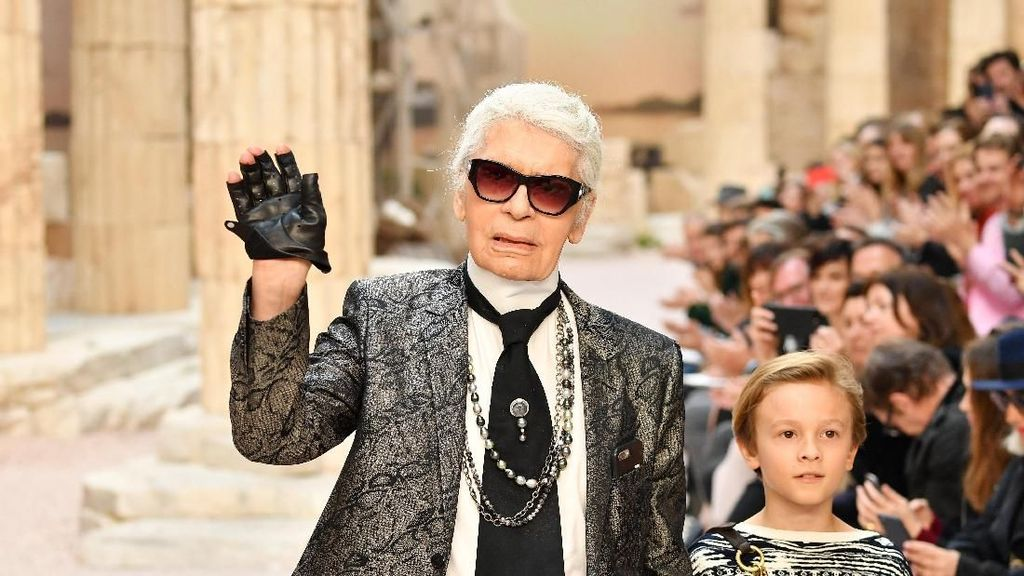 Sebelum Meninggal, Karl Lagerfeld Sempat Dibawa ke Rumah Sakit