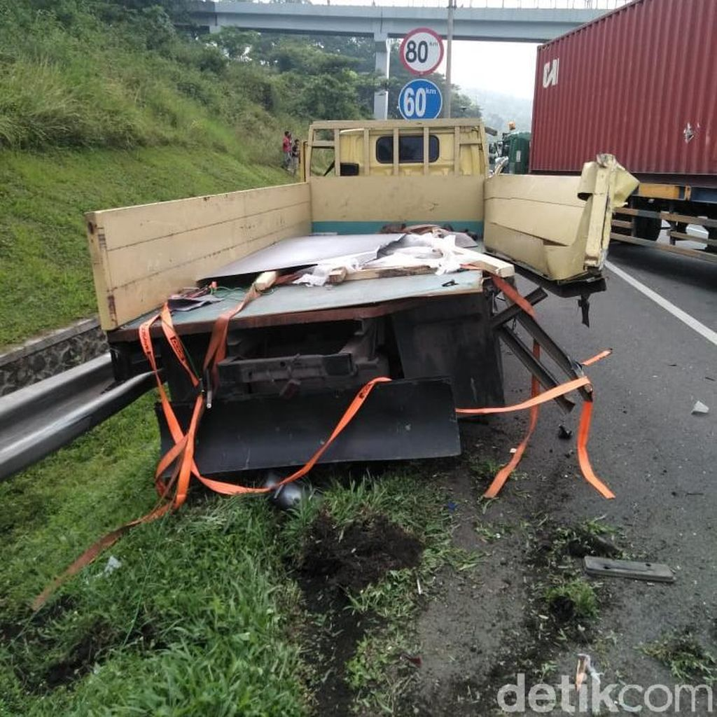 Lima Kendaraan Tabrakan Beruntun di Tol Purbaleunyi, 3 Orang Luka