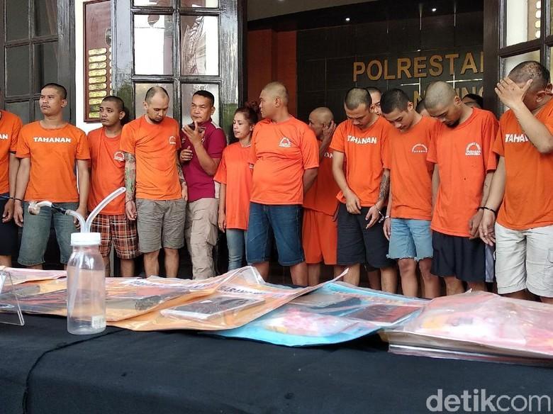 Polisi Sita 201 Gram Sabu dan 225 Butir Ekstasi di Bandung