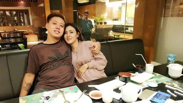 Permintaan Maaf Rey Utami Usai Suaminya Kritik Prabowo